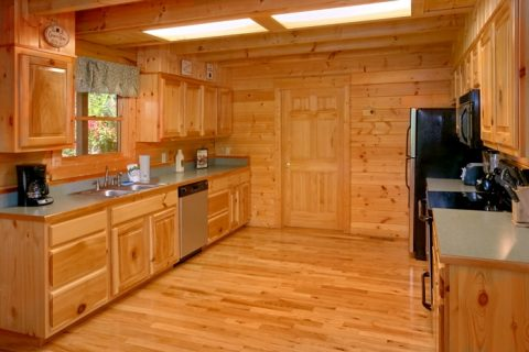 Luxurious 2 Bedroom Cabin with Large Kitchen - American Pie 2