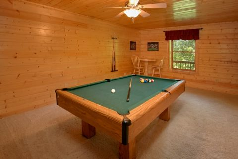Smoky Mountain 2 Bedroom Cabin With Pool Table - American Pie 2