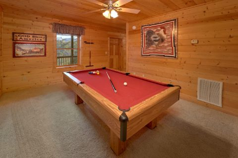 Game room with pool table in 2 bedroom cabin - American Pie