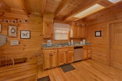 Luxury cabin with full kitchen and Dining room - American Pie