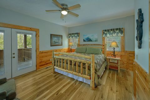 Honeymoon cabin with King Bedroom and Jacuzzi - Angel Haven