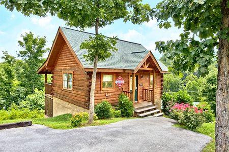 Lover's Lane: 1 Bedroom Gatlinburg Cabin Rental