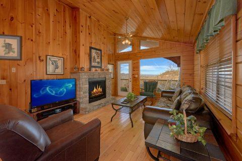 1 Bedroom Cabin with Views Sleeps 4 - Angels Attic