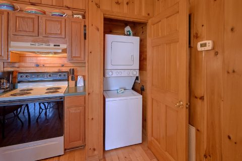 1 Bedroom Cabin with Washer and Dryer - Angels Attic