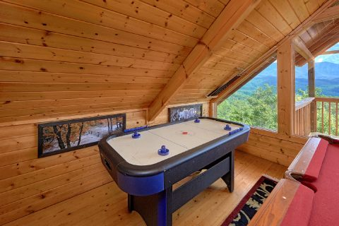 2 Bedroom Cabin with Air Hockey Game and Views - Angel's Landing