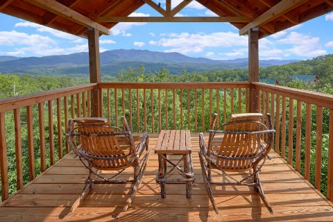 2 Bedroom Cabin with Mountain Views from deck - Angel's Landing