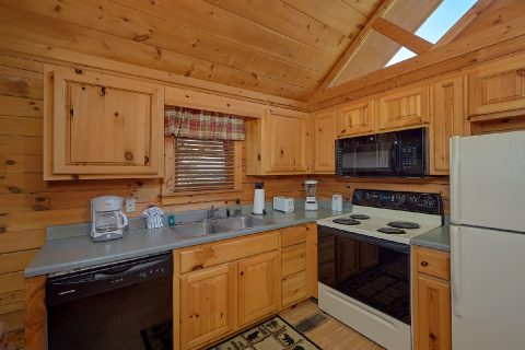 Cabin with Dining Room Table for 4 - Angel's Ridge