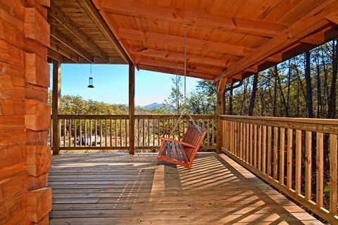 Cabin with Swing on Deck - Apache Sunset