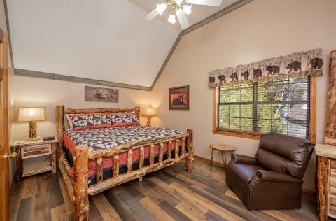 Master Bedroom with Queen Bed and Flatscreen TV - Appalachian Bear Den
