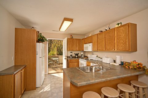 Fully Equipped Kitchen in Vacation Home - Applewood