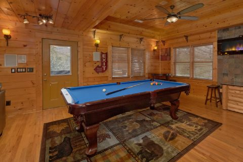 6 Bedroom Cabin with Game Room Pool Table - Arrowhead View Lodge