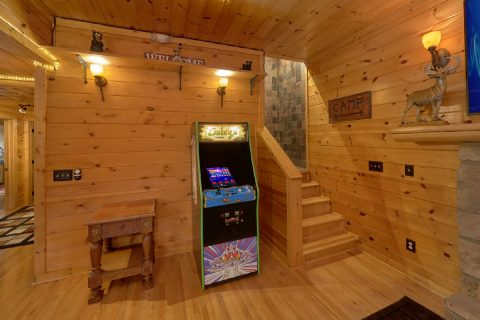 6 Bedroom Cabin Arcade in Game Room - Arrowhead View Lodge