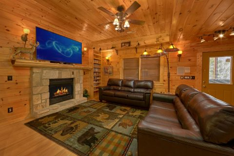 6 Bedroom Cabin with Extra Seating in Game Room - Arrowhead View Lodge