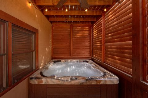 Private Hot Tub 6 Bedroom Cabin - Arrowhead View Lodge