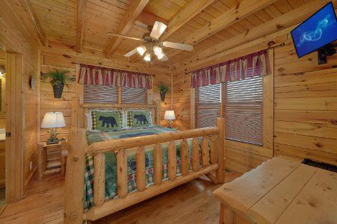 Main Floor Bedroom - Aurora