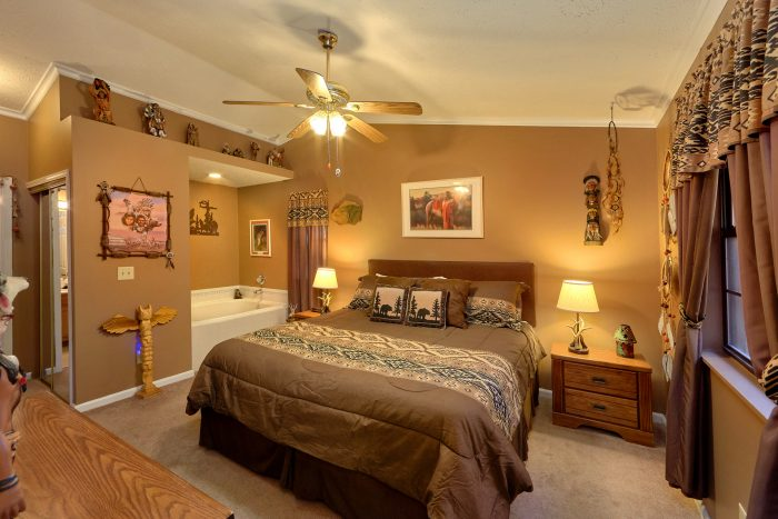 2 Bedroom Cabin with 2 Master Suites and Jacuzzi - Autumn Breeze