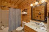 2 bedroom cabin rental with 2 Full bathrooms