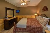 Pigeon Forge cabin rental with 2 King bedrooms