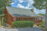 2 Bedroom Pigeon Forge cabin with flat parking