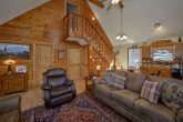 Beautiful 2 Bedroom Cabins Sleeps 8