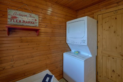 Laundry Space 2 Bedroom 2 Bath Cabin Sleeps 8 - Autumn On Sunrise