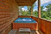 2 Bedroom Cabin with Luxurious Outdoor Hot Tub