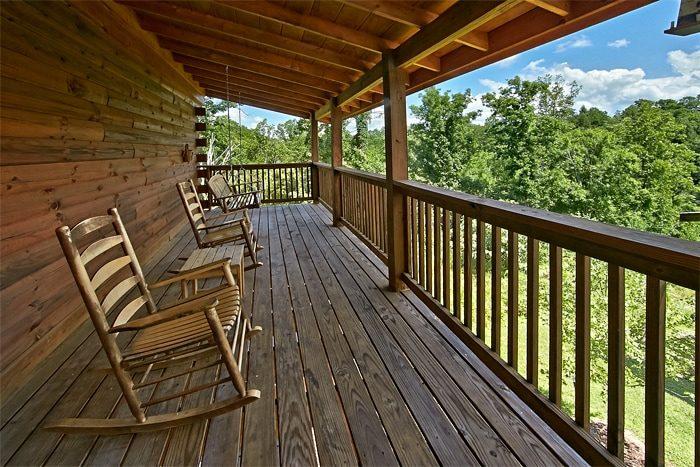 Smoky Mountain 2 Bedroom Cabin in Pigeon Forge - Autumn Ridge