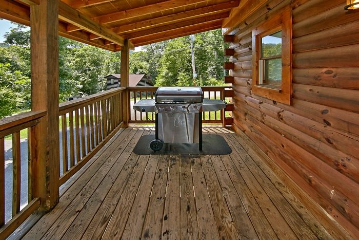 Pigeon Forge Premium Cabin with Gas Grill - Autumn Ridge