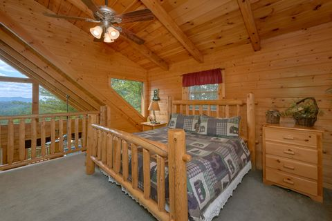 Cabin with 2 King beds and Mountain Views - Autumn Run