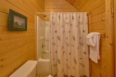 2 Bedroom cabin with 2 King beds and 2 baths - Autumn Run