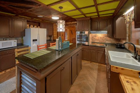 Smoky Mountain 5 Bedroom Cabin with Full Kitchen - Bar Mountain