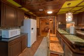 Large Cabin with Fully Equipped Kitchen
