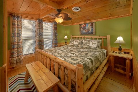 Unique 5 Bedroom Cabin with King Bed Sleeps 17 - Bar Mountain