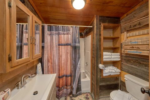 Full Bathroom with Shower - Bar Mountain