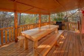 Gatlinburg Cabin with Covered Picnic Table