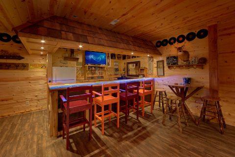 5 Bedroom Cabin with Full Bar - Bar Mountain