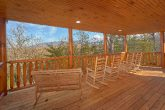 Large Cabin with View and Outdoor Seating