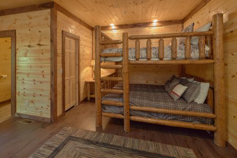 Queen Bunkbeds Sleeps 14 - Bar Mountain II