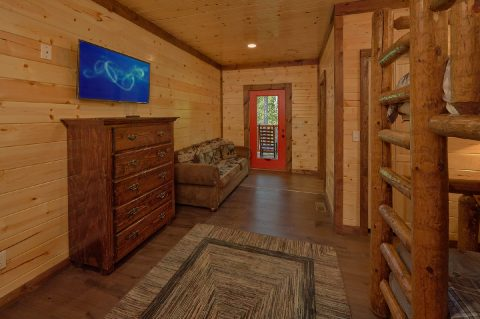 Queen Bunkbed Room with Large TV - Bar Mountain II