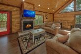 Luxury 5 Bedroom Cabin with Gas Fireplace & WiFi