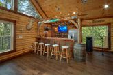 Large 5 Bedroom Cabin with Bar and Game Room
