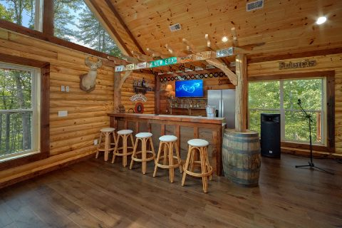 Large 5 Bedroom Cabin with Bar and Game Room - Bar Mountain II