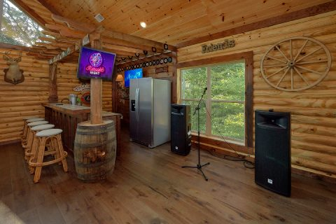 Luxury 5 Bedroom Cabin with Karaoke - Bar Mountain II