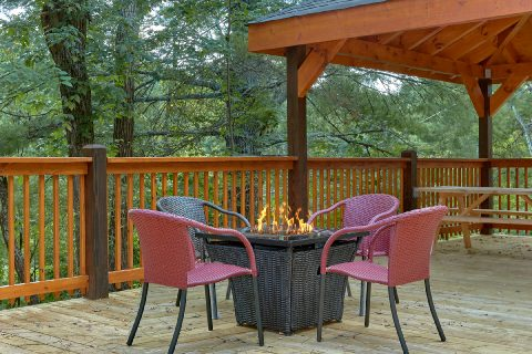 5 Bedroom Cabin with Fire Pit & Outdoor Seating - Bar Mountain II