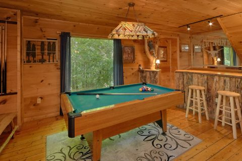 2 Bedroom Cabin with Game Room and Pool Table - Bar None