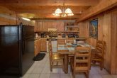 1 Bedroom Cabin Sleeps 4 Full Kitchen