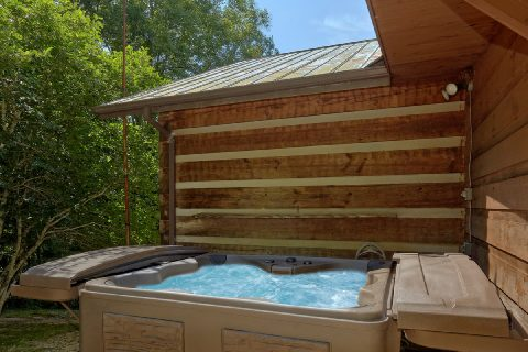 New 6 Person Hot Tub - Bear Cove Escape