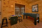 6 bedroom cabin with arcade game and foosball