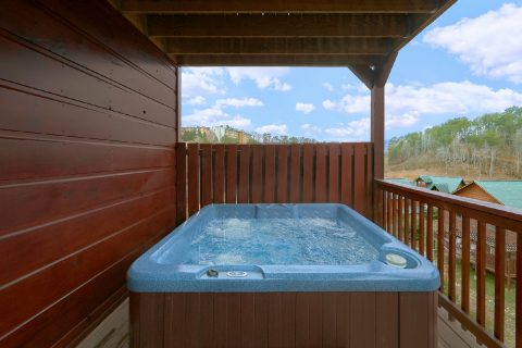 6 bedroom luxury cabin with a hot tub on deck - Bear Cove Lodge