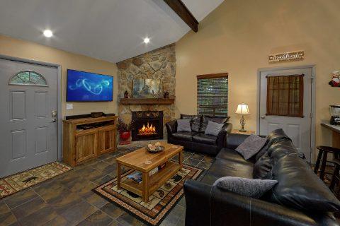 2 Bedroom 1.5 Bath Cabin Sleeps 6 - Bear Creek Hollow